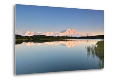 Denali Mountain and Reflection Pond-lijuan-Metal Print