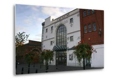 Lyceum Theatre, Crewe, Cheshire, 2005-Peter Thompson-Metal Print