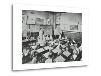 Classroom Scene, Southfields Infants School, Wandsworth, London, 1907--Metal Print