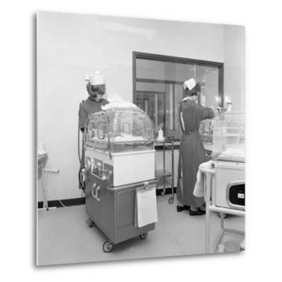 Special Care Unit for Premature Babies, Nether Edge Hospital, Sheffield, South Yorkshire, 1969-Michael Walters-Metal Print