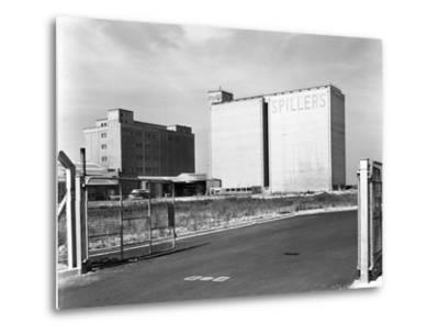 Main Mill Buildings at Spillers Animal Foods, Gainsborough, Lincolnshire, 1965-Michael Walters-Metal Print
