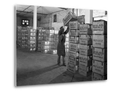 Whisky Blending at Wiley and Co, Sheffield, South Yorkshire, 1960-Michael Walters-Metal Print