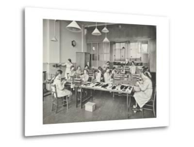 Hair Dressing Class, Barrett Street Trade School for Girls, London, 1915--Metal Print