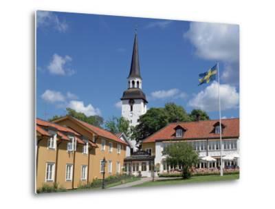 Gripsholm Vardshus and Hotel, Swedens Oldest Inn, Mariefred, Sodermanland, Sweden-Peter Thompson-Metal Print