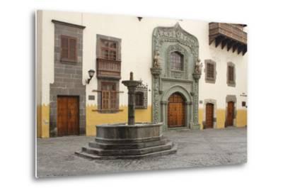 Casa De Colon, Las Palmas, Gran Canaria, Canary Islands, Spain-Peter Thompson-Metal Print
