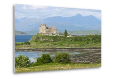 Duart Castle, Near Craignure, Mull, Argyll and Bute, Scotland-Peter Thompson-Metal Print