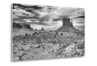 Monument Valley 05-Gordon Semmens-Metal Print
