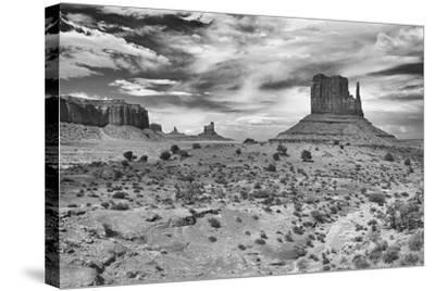 Monument Valley 05-Gordon Semmens-Stretched Canvas Print