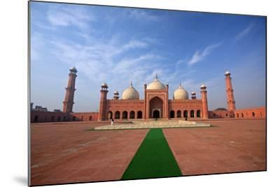 Badshahi Masjid, Lahore, Pakistan-Yasir Nisar-Mounted Photographic Print