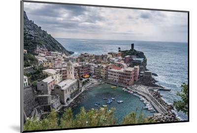 Italy, Cinque Terre, Vernazza-Rob Tilley-Mounted Photographic Print