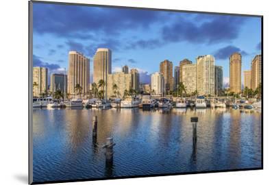 USA, Hawaii, Oahu, Honolulu, Ala Moana Marina-Rob Tilley-Mounted Photographic Print