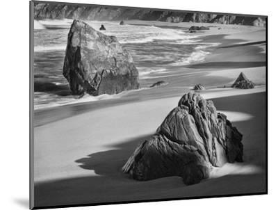 USA, California, Garrapata Beach-John Ford-Mounted Photographic Print