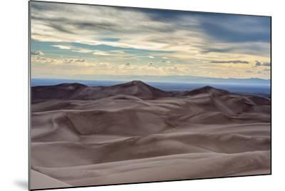 Great Sand Dunes National Park and Sangre Cristo Mountains, Colorado-Howie Garber-Mounted Photographic Print