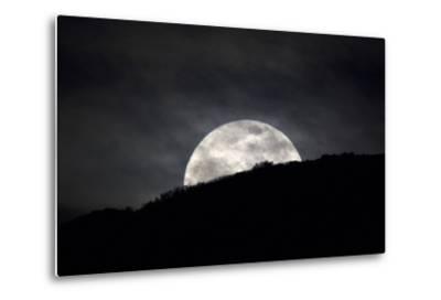 The Full Moon Rising over the Horizon-Robbie George-Metal Print