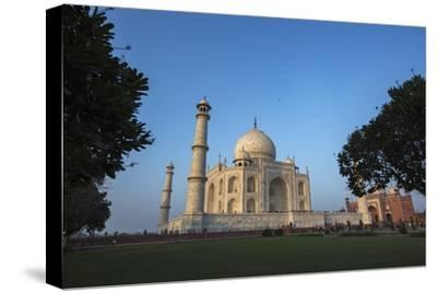 The Taj Mahal and Guesthouse-Macduff Everton-Stretched Canvas Print