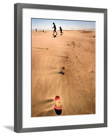 Shoremob-Craig Satterlee-Framed Photographic Print