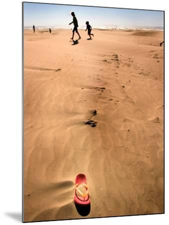 Shoremob-Craig Satterlee-Mounted Photographic Print