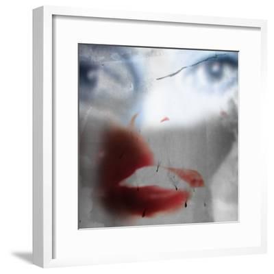 Fluff-Gideon Ansell-Framed Photographic Print