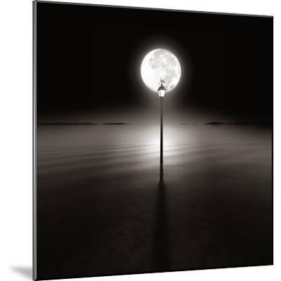 Silent Night-Luis Beltran-Mounted Photographic Print