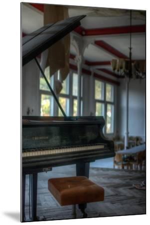 Old Piano-Nathan Wright-Mounted Photographic Print