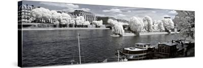 Another Look - Paris-Philippe Hugonnard-Stretched Canvas Print
