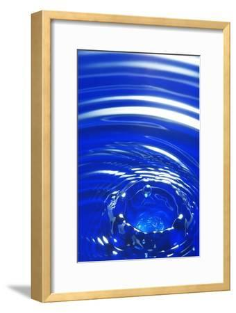 Water Drop Impact, High-speed Photograph-Crown-Framed Photographic Print