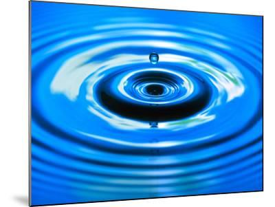 Water Drop Impact-Adam Hart-Davis-Mounted Photographic Print