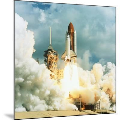 Shuttle Columbia Launch, Mission STS-78, 20.6.96--Mounted Photographic Print