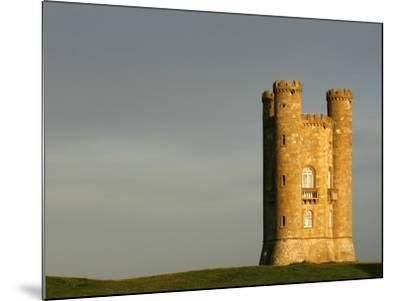 Broadway Tower standing prominently in the Cotswolds-Glyn Thomas-Mounted Photographic Print