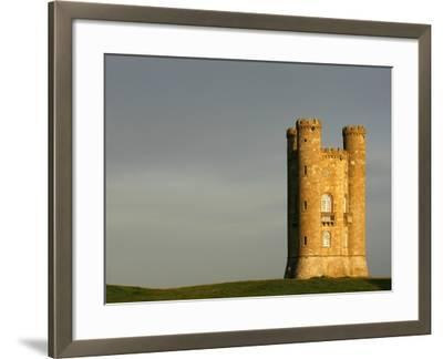 Broadway Tower standing prominently in the Cotswolds-Glyn Thomas-Framed Photographic Print