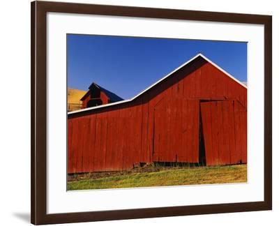 Red Barns-Stuart Westmorland-Framed Photographic Print