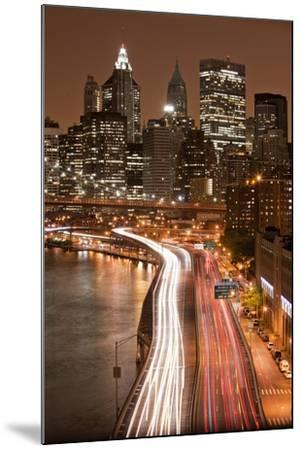 Brooklyn Bridge and Manhattan Skyline, New York City-Paul Souders-Mounted Photographic Print