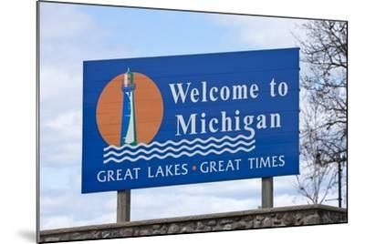 Welcome to Michigan Sign-Paul Souders-Mounted Photographic Print