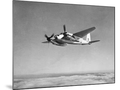 De Havilland Mosquito in Flight--Mounted Photographic Print