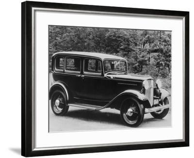 De Luxe Pordor Sedan--Framed Photographic Print