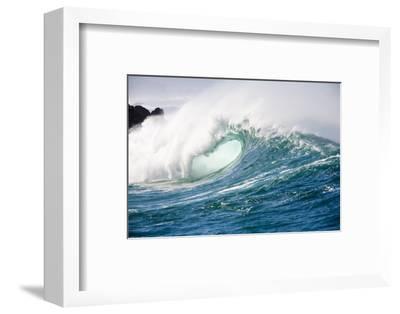 Breaking Waves at Waimea Bay, Oahu, Hawaii-Ron Dahlquist-Framed Photographic Print