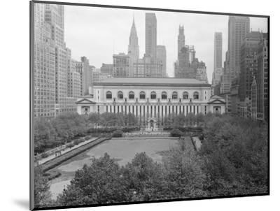 Bryant Park Looking toward Public Library-Philip Gendreau-Mounted Photographic Print