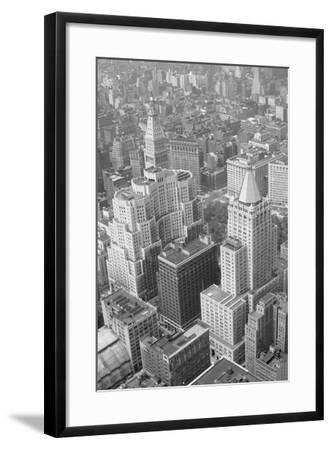 Metropolitan Life Insurance Co Building--Framed Photographic Print
