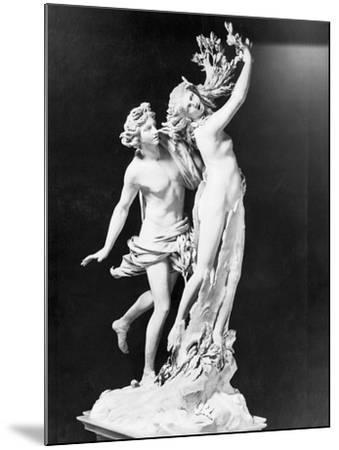 Apollo and Daphne by Gian Lorenzo Bernini--Mounted Photographic Print