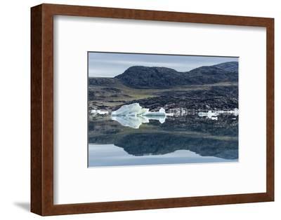 Melting Icebergs, Repulse Bay, Nunavut Territory, Canada-Paul Souders-Framed Photographic Print