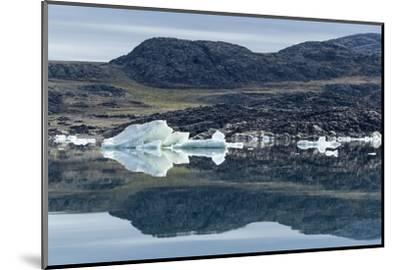 Melting Icebergs, Repulse Bay, Nunavut Territory, Canada-Paul Souders-Mounted Photographic Print