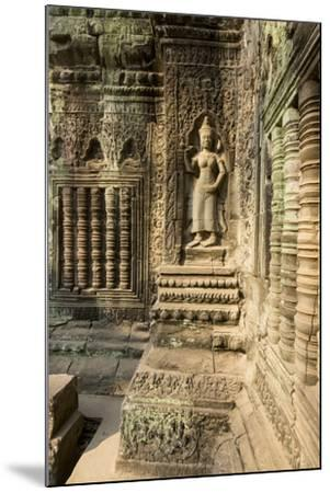 Stone Carvings of Apsara at Angkor Wat, Cambodia-Paul Souders-Mounted Photographic Print