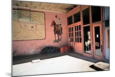 Tire Repair Place with Western Mural, Downtown Las Vegas, New Mexico, Usa, 1979-Alain Le Garsmeur-Mounted Photographic Print