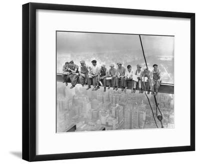 New York Construction Workers Lunching on a Crossbeam--Framed Photographic Print