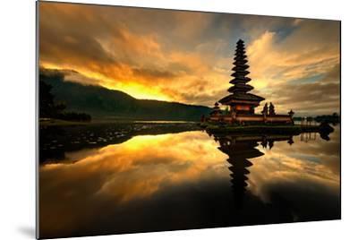 Pura Ulun Danu Bratan Water Temple-toonman-Mounted Photographic Print