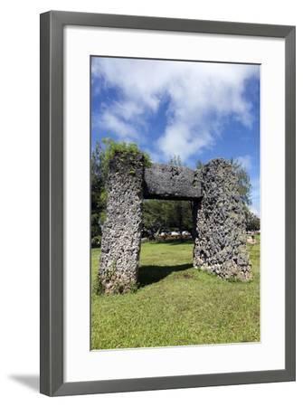Ha'amonga 'A Maui Arch-benkrut-Framed Photographic Print