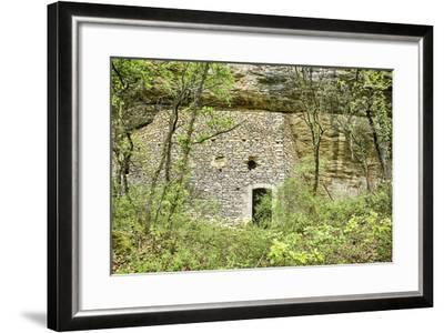 Luberon Cliff House-searagen-Framed Photographic Print