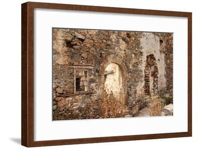 Abandoned Dwelling-Yue Lan-Framed Photographic Print