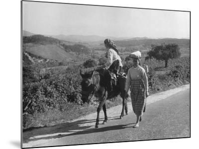 Portuguese Peasants--Mounted Photographic Print