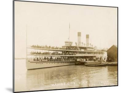 The US Mail Steamer Tashmoo, St. Clair River, Michigan, America--Mounted Photographic Print
